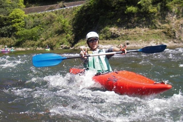 【半日】一人乗りカヤックで5kmの川下り!江の川半日プラン★写真プレゼント