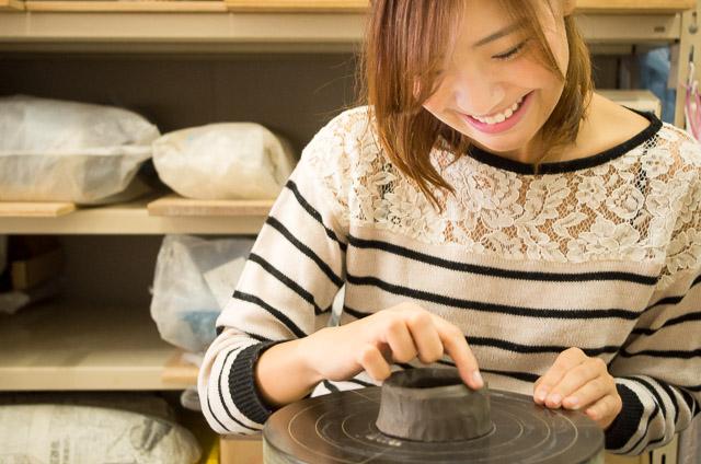 蔵前駅から徒歩3分!形作りから色付けまで体験できる2回陶芸体験(約2.5時間×2回)