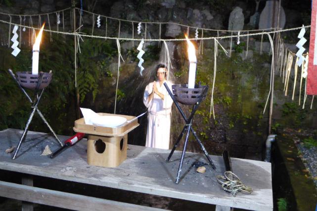 【埼玉・開運滝行】伝説の不動の瀧で心願成就を祈る!開運滝行体験