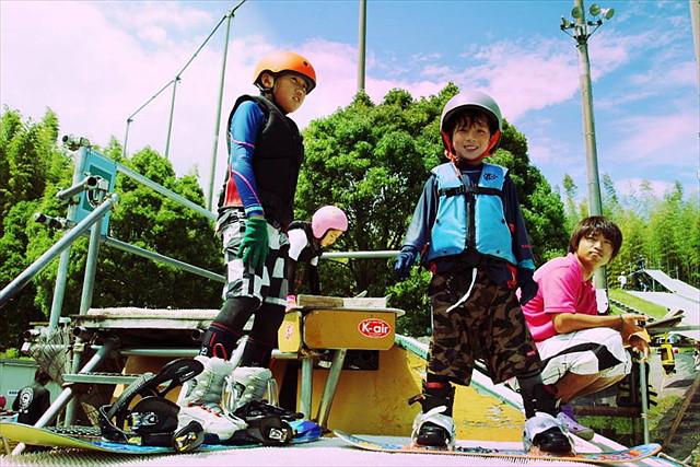 【三重・ウォータージャンプ】初心者も迫力のジャンプができる!スキー・スノーボードも上達するプラン