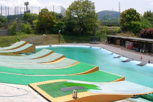 【ウォータージャンプ体験パック】スキー・スノボ初心者も大歓迎!水しぶきを浴びて爽快にジャンプ!