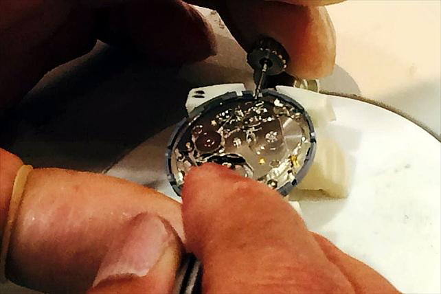 【腕時計・機械式・60分】技師の指導で針付けと外装を組立てできます!