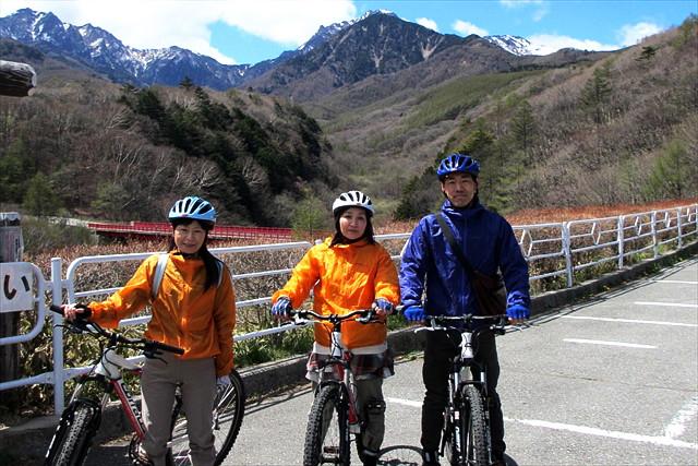 【八ヶ岳・マウンテンバイク】サイクリングで自然を楽しもう!ガイドと走る清里高原牧場・林のコース