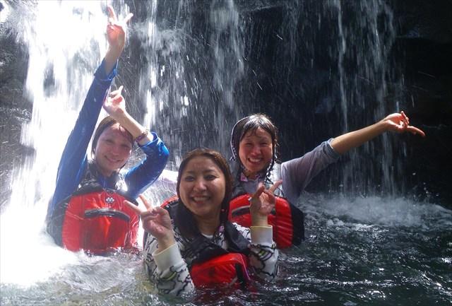 【西表島・マングローブカヤック&キャニオニング】夏におすすめ!爽やかに遊ぼう
