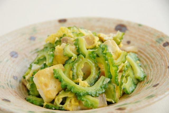 【沖縄那覇・料理体験・スタンダード】市場にご案内!沖縄の家庭料理をマスターしよう