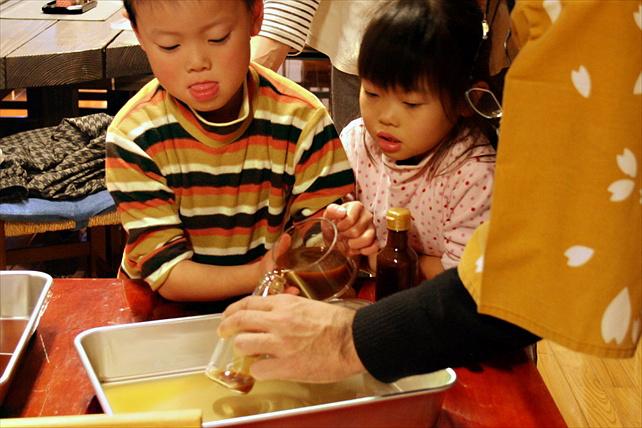 【埼玉・ランチ付】手作り豆腐を搾りたての生醤油で堪能!老舗醤油蔵の食体験教室