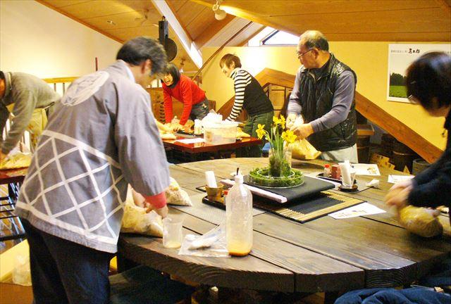 【埼玉・2時間・ランチ付】贅沢素材をたっぷり使用!寒仕込みで美味しい味噌を作ろう