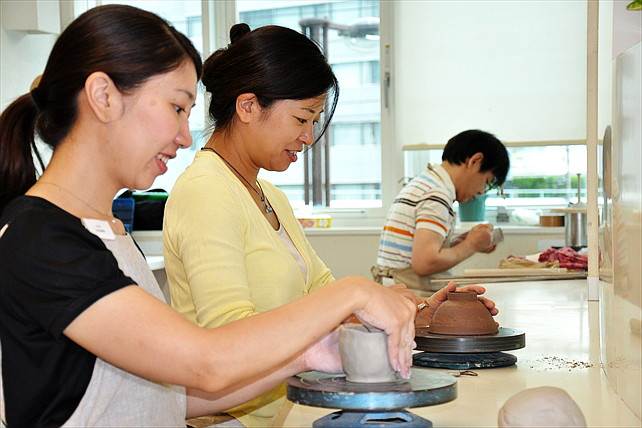 【さいたま市浦和・陶芸体験】おしゃれな雰囲気の陶芸教室サロン・ドゥ・フラムで体験陶芸!