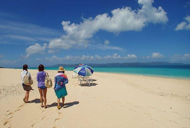 【西表島・パナリ島・竹富島の3島めぐり】海と水牛車とマングローブ!3島に上陸して沖縄を満喫しよう