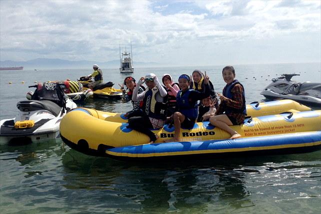 愛媛県南宇和郡・グループにおすすめ!8人乗りバナナボートで海を満喫しよう