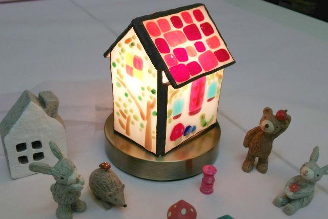 【島根・松江市・フュージング】かわいいお家に灯りがともる!三角屋根のお家のランプ