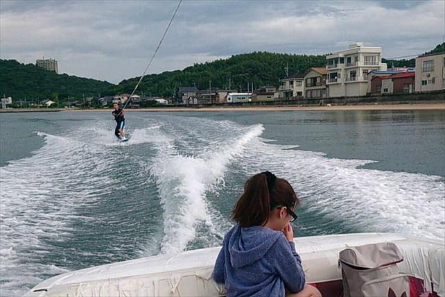 【福岡・初心者向けウェイクボード体験】美しい海でウェイクボードを楽しもう!