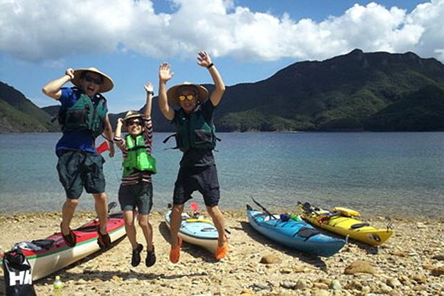 【対馬・シーカヤック】国境の島々をめぐるファミリー・シーカヤックツアー