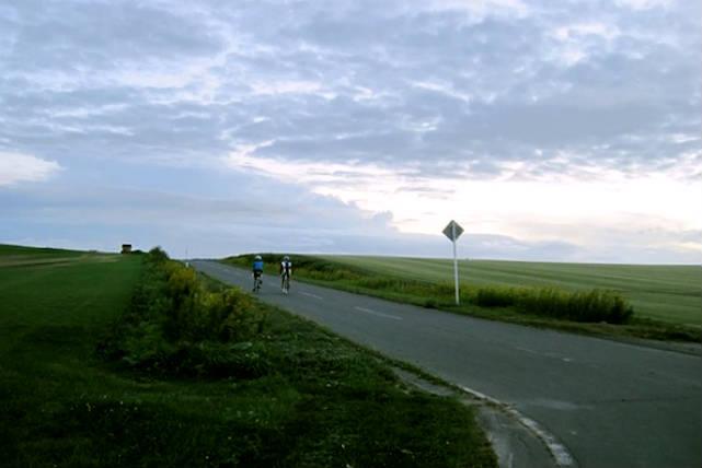 【札幌近郊・ロードバイク】田園風景を駆け抜ける、ロードバイク60kmプラン★スポーツドリンクプレゼント