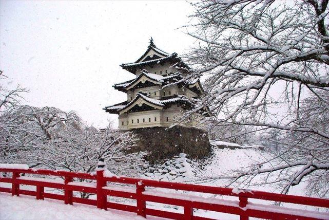 【弘前・2時間ツアー】400年の歴史を体感できます!弘前城ガイドツアー