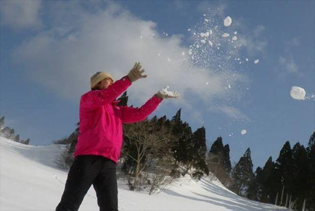 【滋賀・スノーシュー・北比良峠】山登りも雪遊びも大満喫のランチ付きプラン