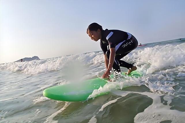 【福岡・サーフィン体験】初心者歓迎!福岡糸島のサーフスクールでスキルアップ!
