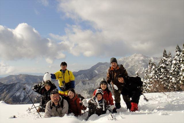 【鳥取・スノーシュー・3時間】白銀の世界が生みだす沈黙に耳を傾けて。冬の氷ノ山ツアー