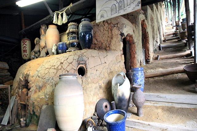 【滋賀・信楽焼・陶芸体験】やわらかい灯りで部屋を照らそう。タタラを使った灯り作り
