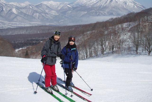 【新潟県妙高市・テレマークスキー】初心者歓迎!テレマークスキーで未踏の新雪を滑る1日プラン