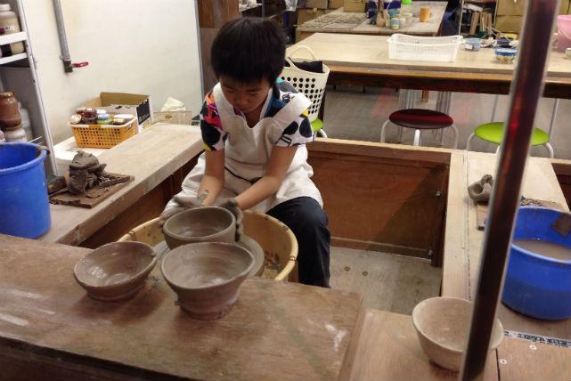 【滋賀県甲賀市・陶芸体験・電動ろくろ】繊細な器を作ろう!電動ろくろにチャレンジ