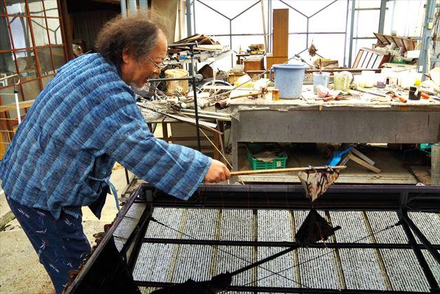 【奈良・1時間・染物体験】世界で唯一無二の模様を写し取る!現代墨流し染め体験