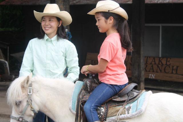 【山梨・八ヶ岳・乗馬体験】牧場の一員になれる!牧場体験学習(AMコース・PMコース)