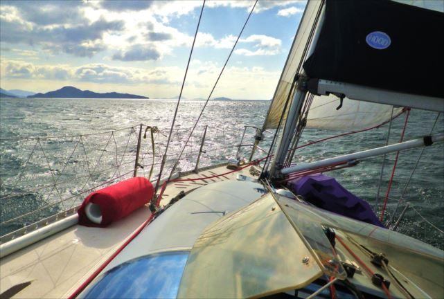 【広島・半日・ヨットクルージング】太平洋一周を果たしたヨットを半日貸切!瀬戸内海ツアー