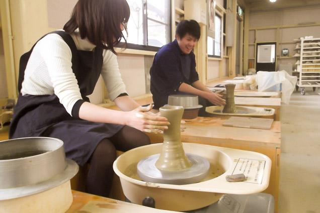 滋賀・信楽・陶芸・電動ろくろコース(1時間)
