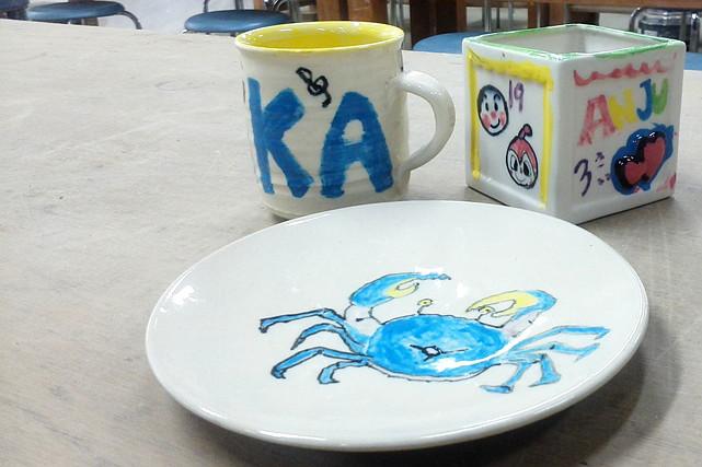 【信楽・陶芸】マジックやクレヨンで自由にお絵描き!お子さまにもおすすめの陶芸体験