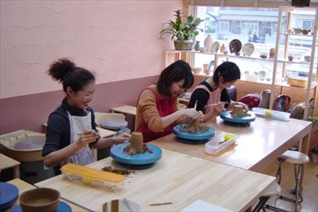 【大阪府茨木・陶芸体験】子どもも大人も、土遊びしようよ!あなたの思いを形にしてみよう