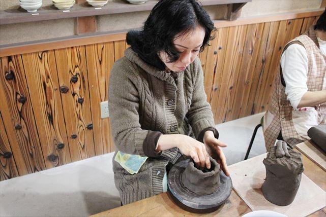 【甲賀市・信楽で陶芸体験】信楽焼で知られる陶芸のまちで、自分だけの陶芸作品を作ろう