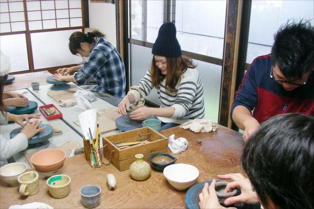 【広島・陶芸体験】約2時間で自分らしい作品が作れる!手びねり陶芸体験