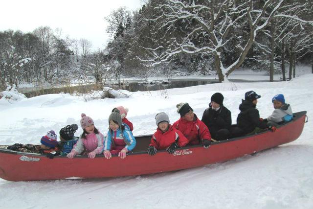 【岩手・花巻・雪遊び】冬限定!雪上カヌーに乗って、雪景色の中を走ろう!