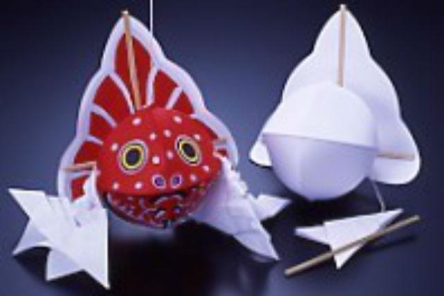 【青森・伝統工芸・金魚ねぷた絵付】130℃のロウで描く!本格的な金魚ねぷた
