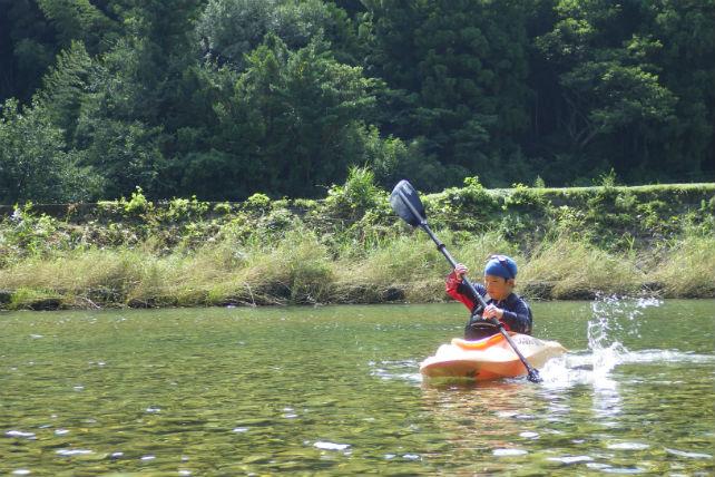 【徳島・カヌー】澄んだ川に漕ぎ出そう!自然と一体になれるカヌー体験