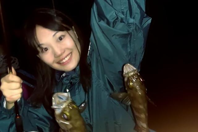 【東京湾・船釣り】夕方から楽しむメバル・カサゴ釣り。工業地帯の夜景も見えます