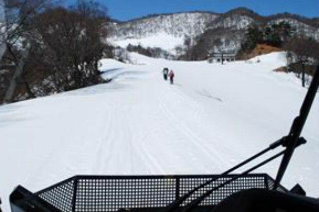 【兵庫・雪上車ツアー】雪上車からパウダースノーを楽しむ雪原ツアー
