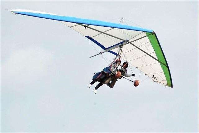 【和歌山・タンデムフライト】大空へテイクオフ!2人乗りハンググライダー体験