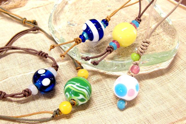 【金沢・ガラス工芸】世界にひとつのとんぼ玉アクセサリーを作ろう!