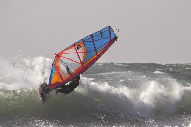 【滋賀県近江八幡市・ウインドサーフィン】トッププロが教える1日体験スクール!