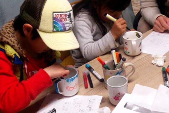 【輪島市・絵付け体験】サインペンだから簡単!カップやお皿に自由に絵付け体験