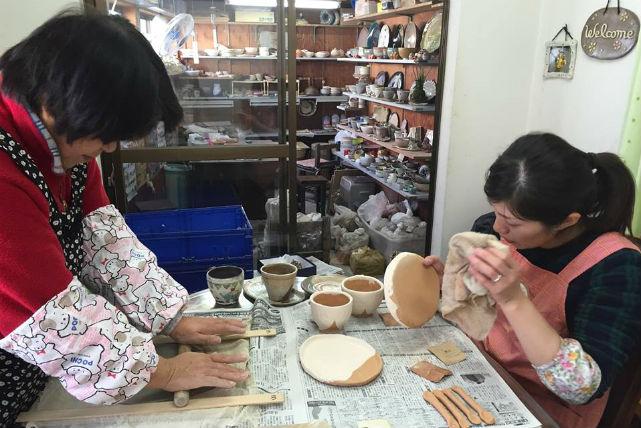 【兵庫・陶芸体験】無料で絵付けもできる!アットホームな教室で楽しく陶芸体験