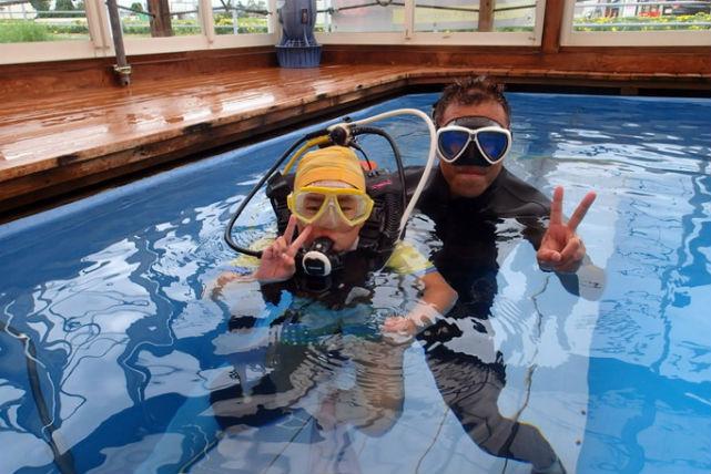 【山口・体験ダイビング】水の中ってどんな感じ!?店内の専用プールで気軽に体感!