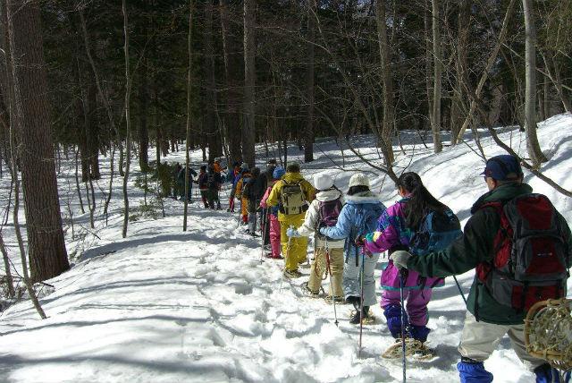 【長野県青木湖・1日・スノーシュー】雪の積もる山の美しさを満喫。スノーシュープラン