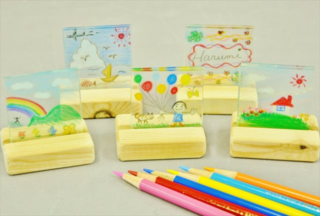 【兵庫・三田市・ガラス工芸】お子さまにもオススメ!気軽に色鉛筆でラミネート体験