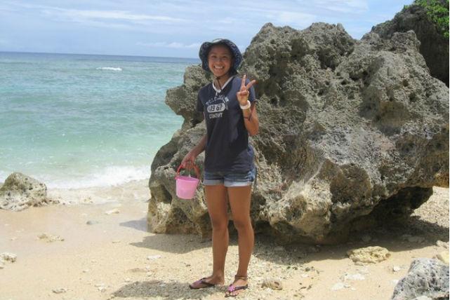 【沖縄県国頭郡・ビーチコーミング&リーフトレイルツアー】浜辺で宝探し!海からの贈り物を受け取ろう
