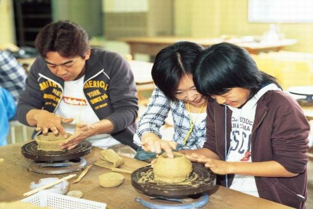 【福井県越前町・陶芸体験】発想力を活かそう!初めてでも楽しめる陶芸体験