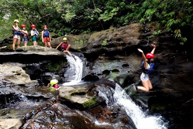 【西表島・1日・ピナイサーラ滝壺ツアー】キャニオニング清流遊びもできる!大自然を体感しよう!