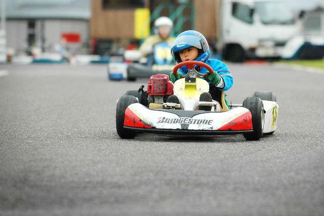 【安曇野・レンタカート】気軽にレーサー気分を味わえる!1ラウンドコース